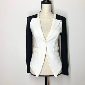 Material girl Women's jr blazer small white black